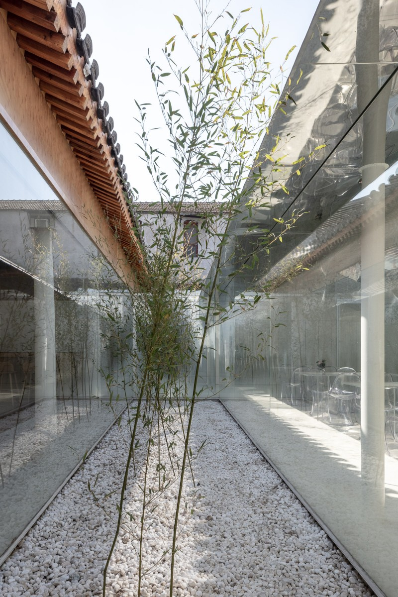 Layering Courtyard_ARCHSTUDIO