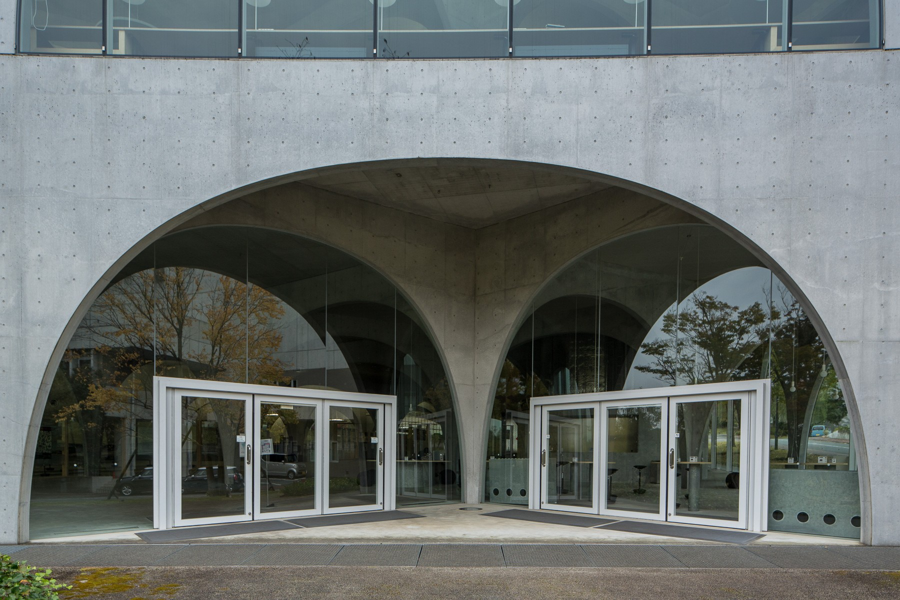 Tama Art University Library_Toyo Ito