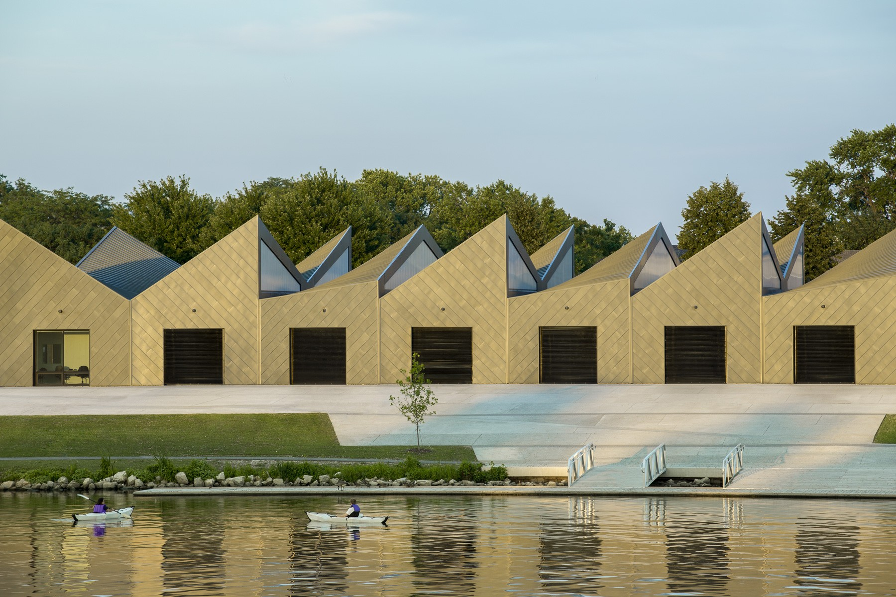 Eleanor Boathouse at Park 571_Chicago_Studio Gang