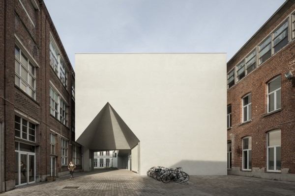 Architecture Faculty in Tournai_Aires Mateus_02.jpg