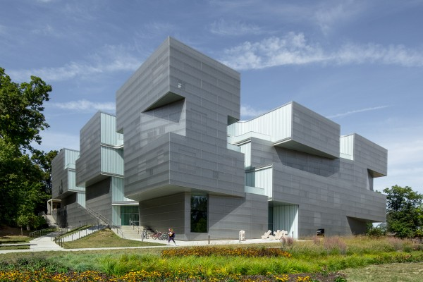 Visual Arts Building at the University of Iowa_ Steven Holl Architects_01.jpg